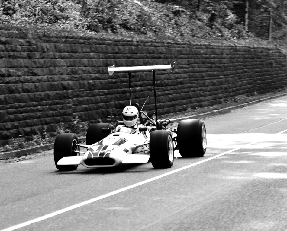 surtees-grosser-heckfluegel