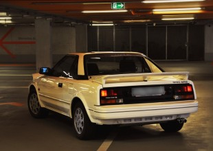 toyota_mr2_back_speed-in-focus