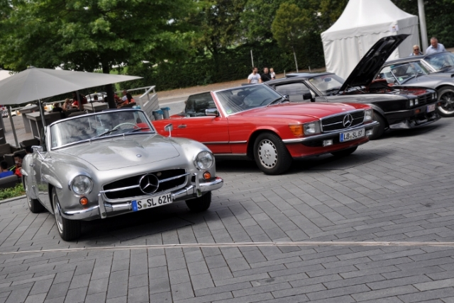 mercedes-museum-cars-coffee