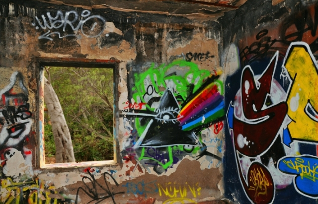fenster_street-art-haus