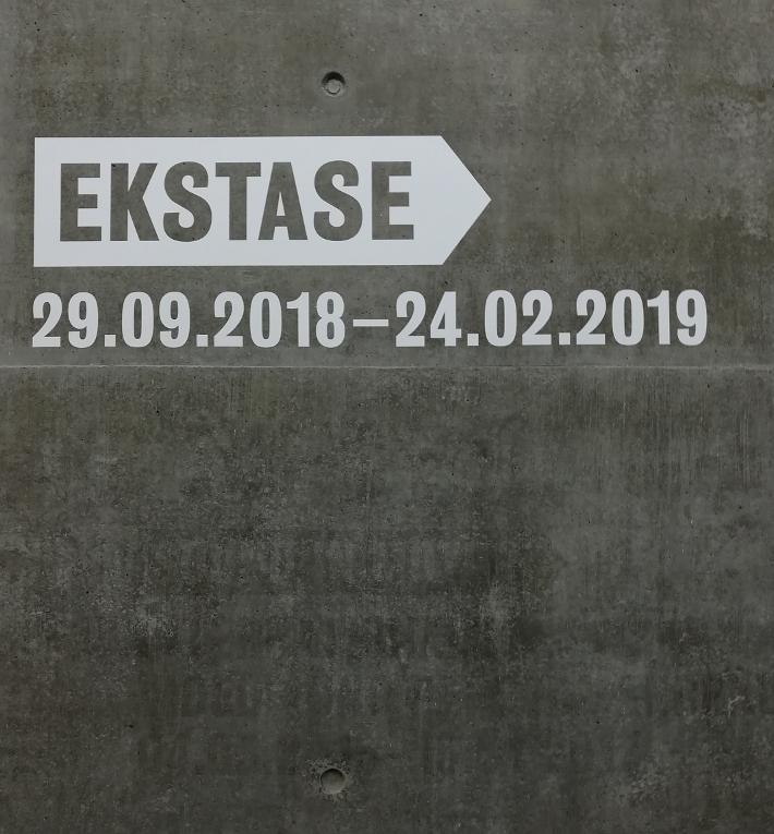 ekstase_schlossplatz-kunstmuseum-stuttgart