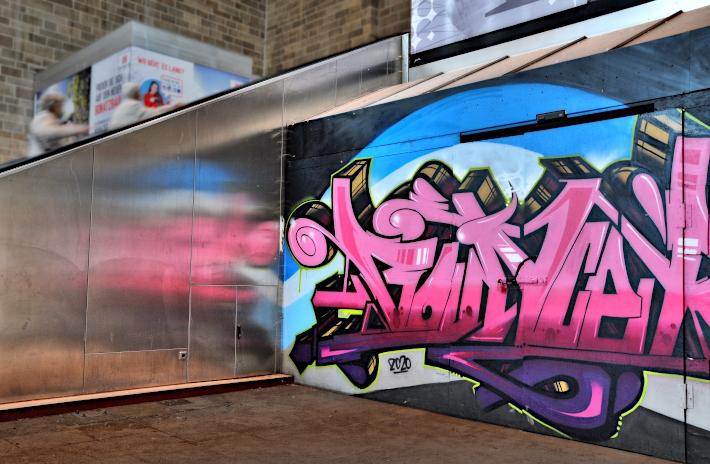 walls-gallery-stuttgart-bahnhof